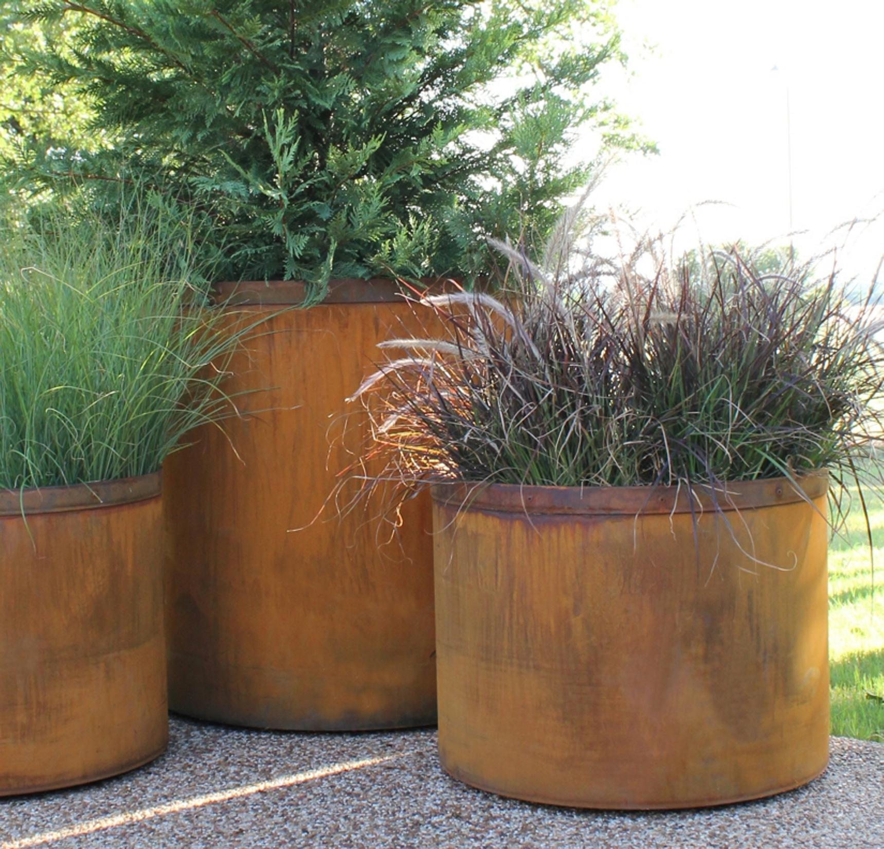 Round Cor-Ten Planters
